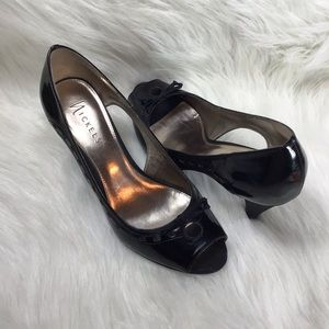 "Nickels ""Chamber Chili"" Faux Leather Heels Sz 9.5M"